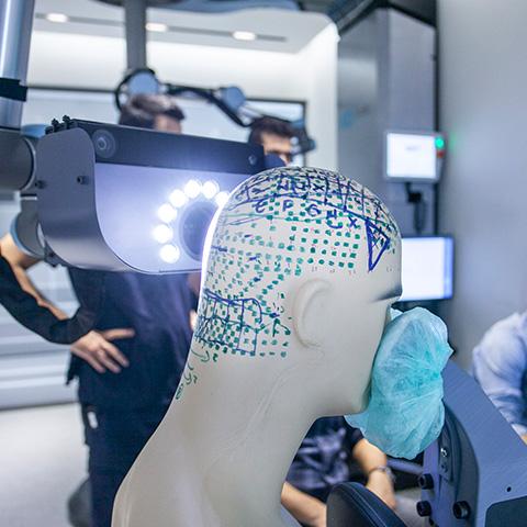 Sunulan üretim hizmetlerine örnek olarak Ke-Bot görseli